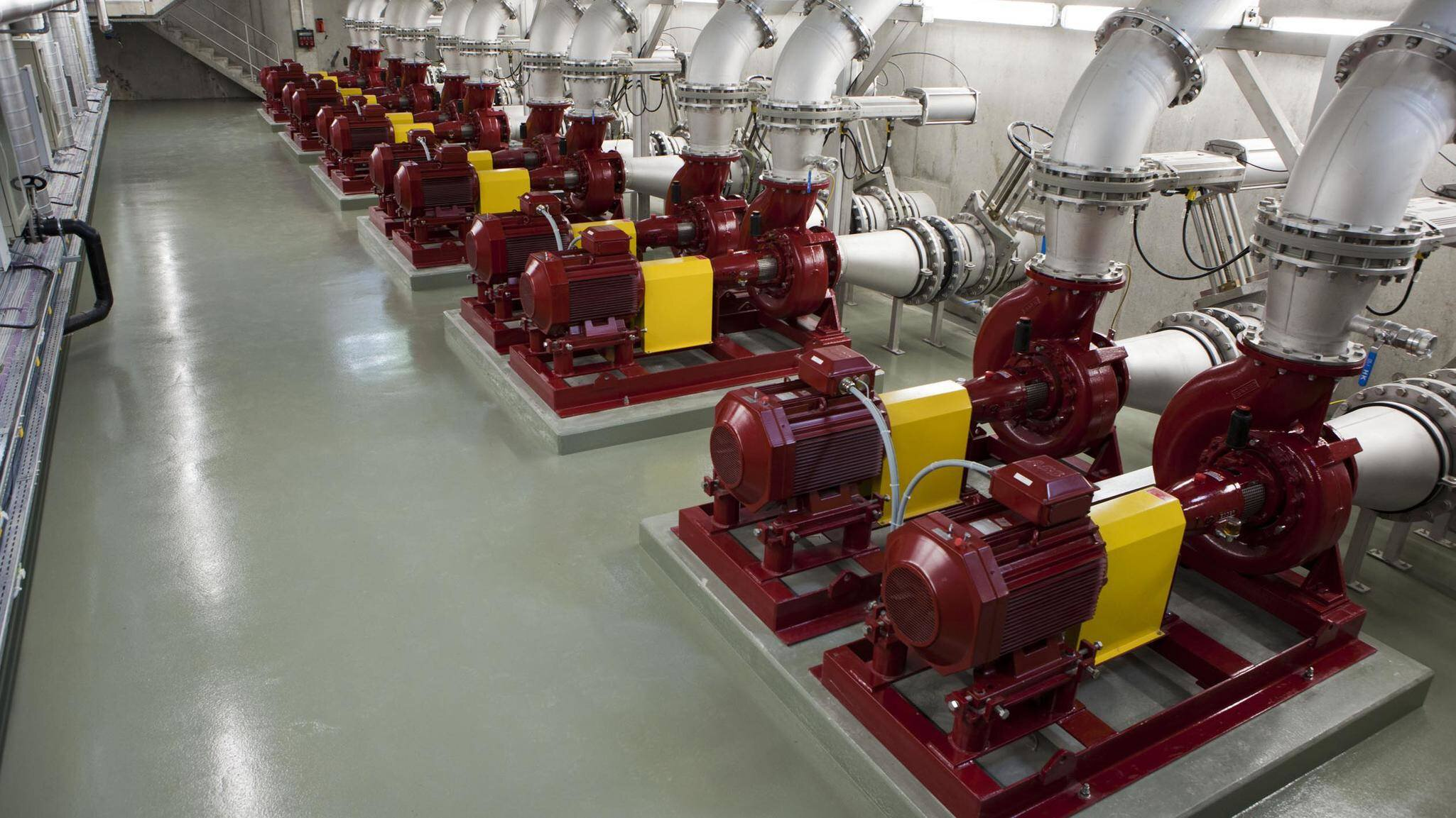 Gallery image 0 - Pumping station for biolgical tanks at Waste Water Treatment Plant WErdhölzli, Zürich with 2 x 12 EO Egger Process Pumps
