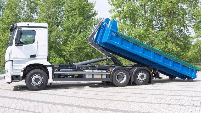 Gallery image 1 - Hooklift RS21