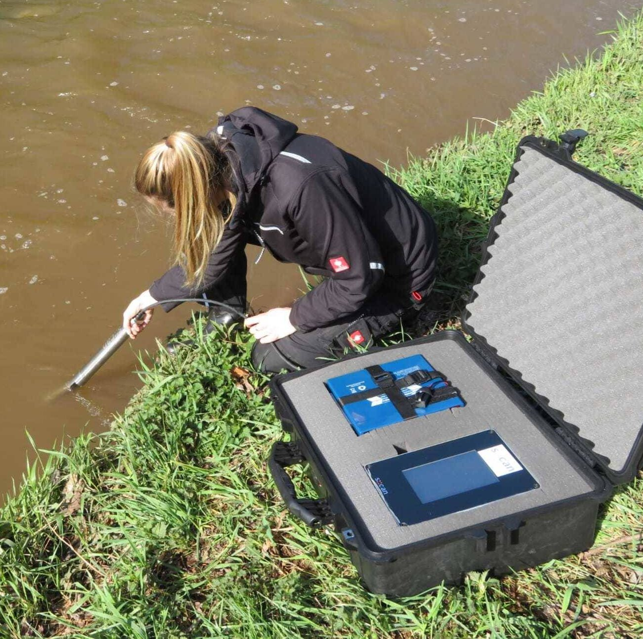 Gallery image 0 - Sensor for measuring waterquality