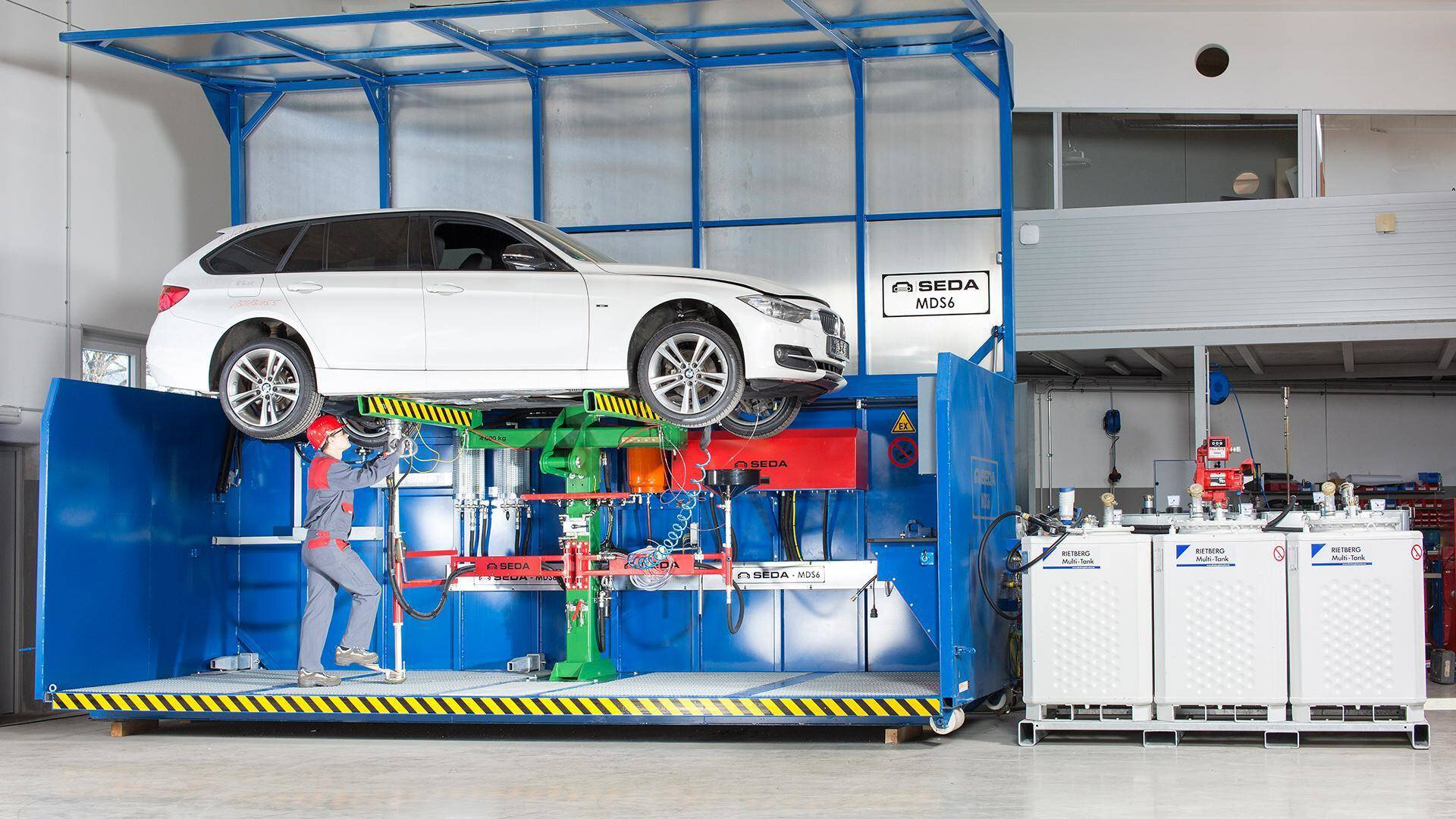 Gallery image 1 - By using a SEDA de-pollution system all operating fluids can be removed from vehicles. Special equipment help to make these processes more efficient.